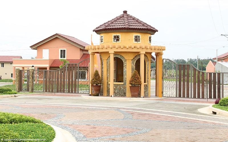 Camella Bacolod entrance gate