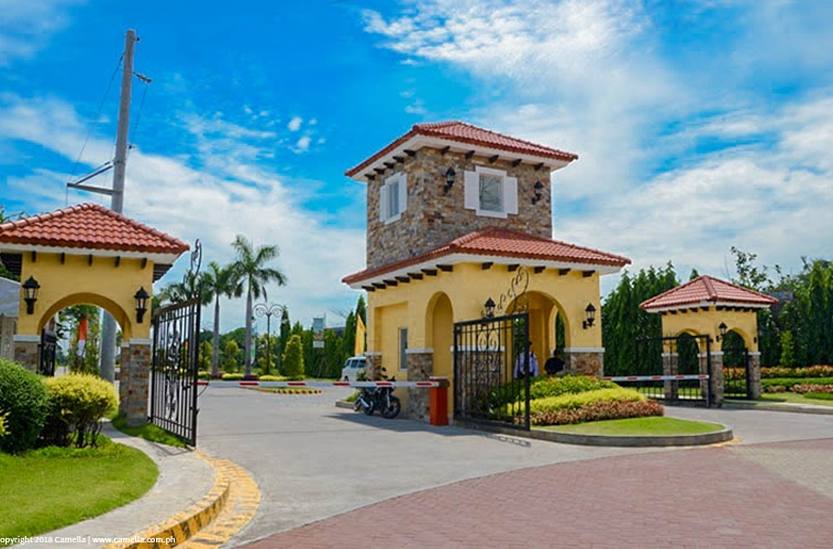 Camella Baliwag entrance gate