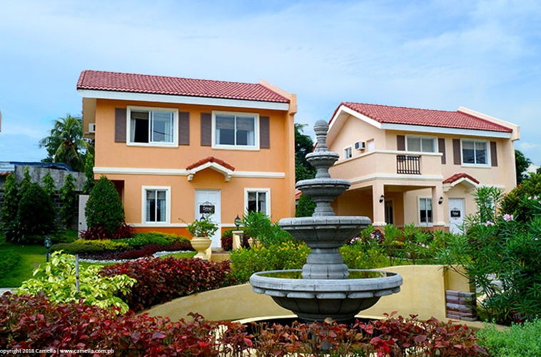 Camella Batangas City house and lot units with fountain