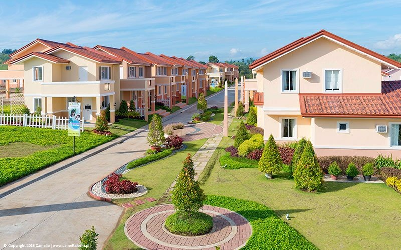 Camella Gran Europa community with beautfiul houses