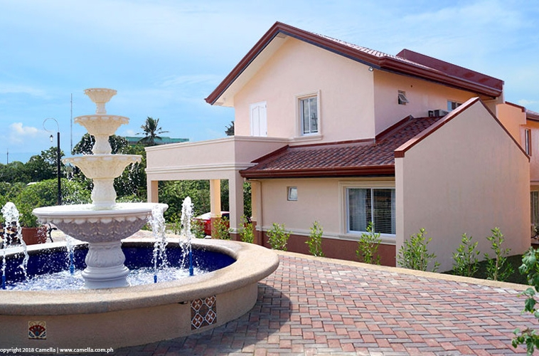 Camella homes with fountain