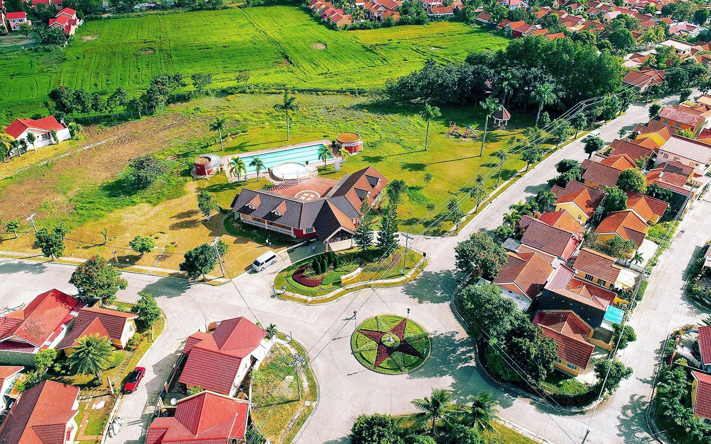 Camella Savannah community with clubhouse and swimming pool