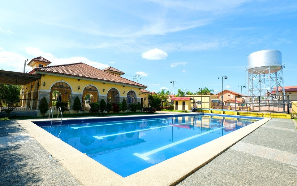 Camella Bataan clubhouse and swimming pool