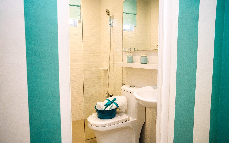 Cara toilet and bath interior design