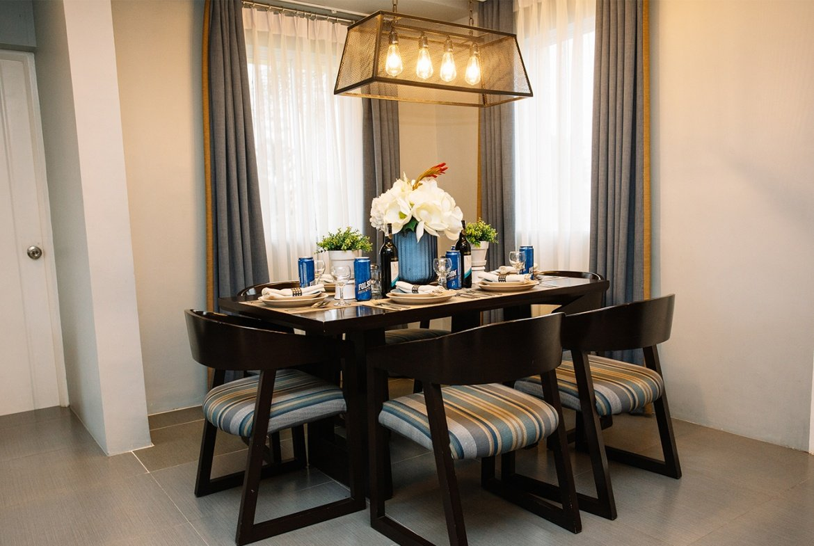 Ella home dining area