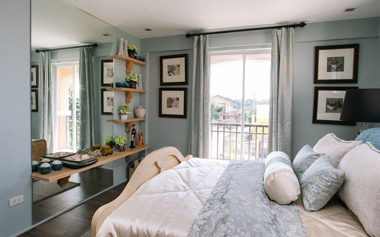 Greta master bedroom with balcony