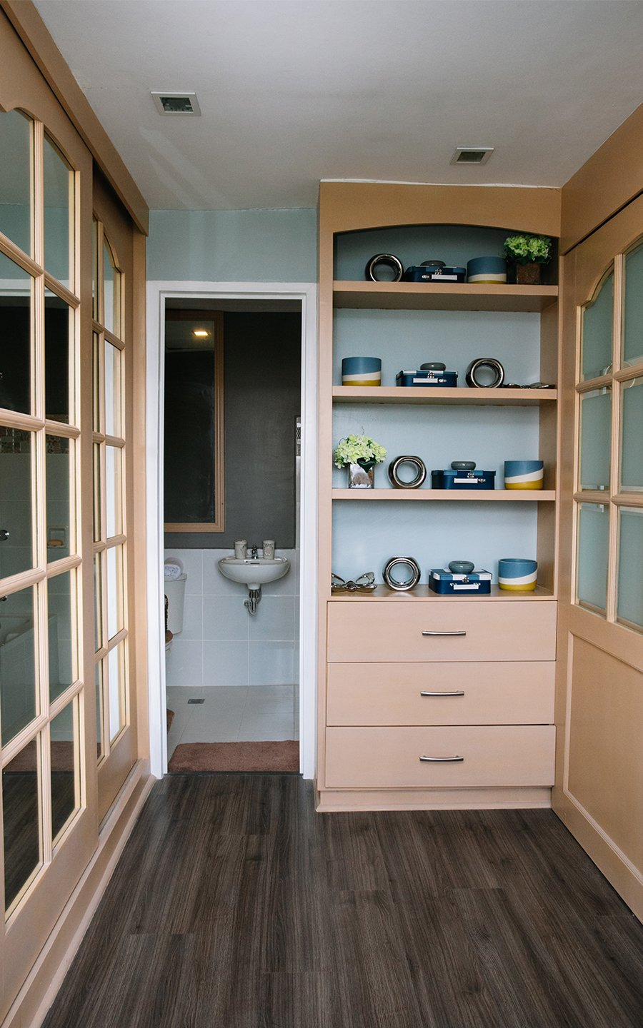 Greta walk in closet with master toilet and bath