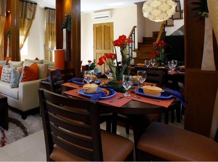 Isabela dining area