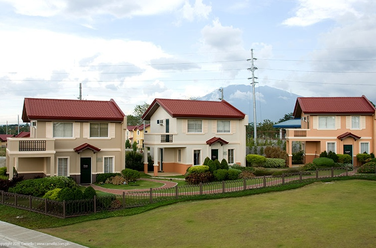 Camella Naga house and lots with carport and balcony