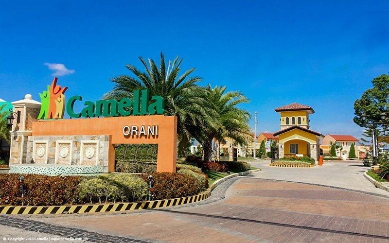 Camella Orani marker and entrance gate