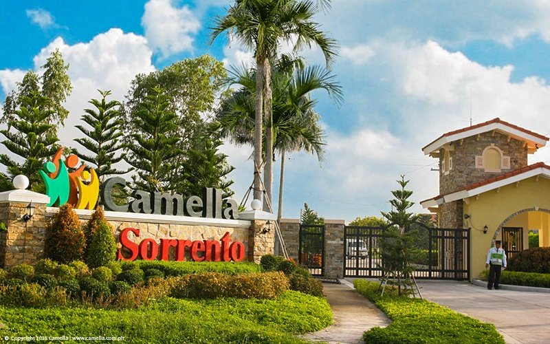 Camella Sorrento marker and entrance gate with guard