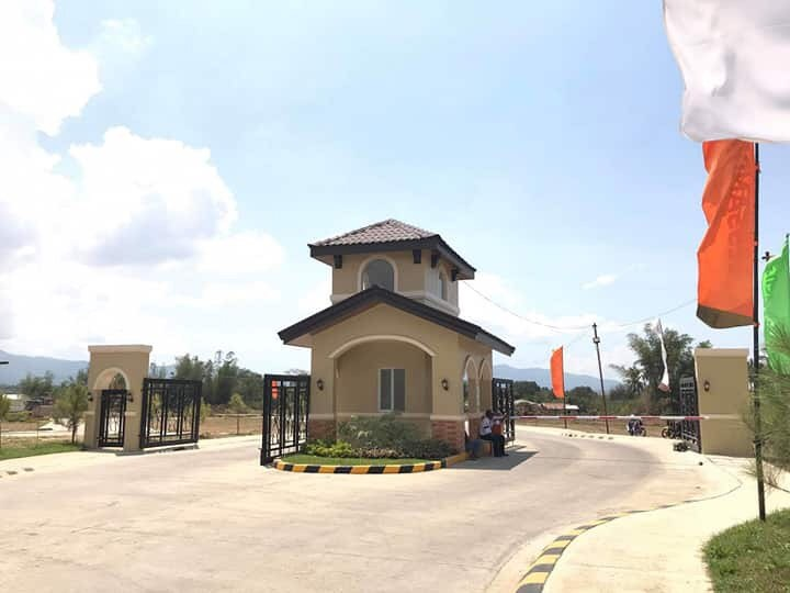House and Lot for Sale in Batangas- Camella Azienda Gate